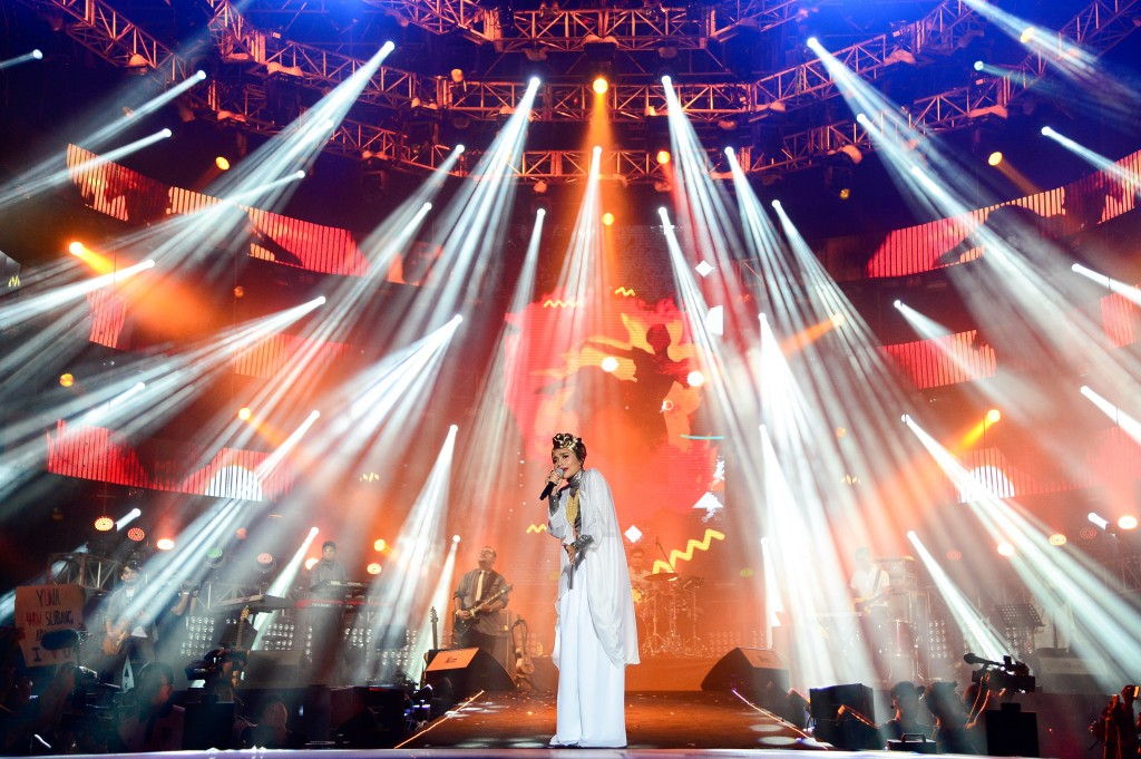 138338-Yuna at MTV World Stage Malaysia 2014 Pic 6 (Credit - MTV Asia & Kristian Dowling)-464d74-original-1408210066